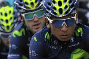 Colombia's Nairo Quintana (R) rides with his teammates of the Spain's Movistar cycling team during the 237,5 km fouth stage of the 103rd edition of the Tour de France cycling race on July 5, 2016 between Saumur and Limoges.  / AFP PHOTO / KENZO TRIBOUILLARD